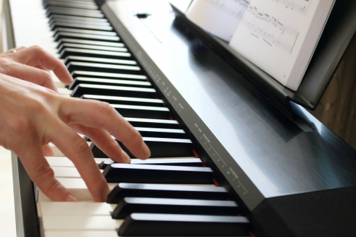 保育士 ピアノ,保育士 ピアノ 弾けない