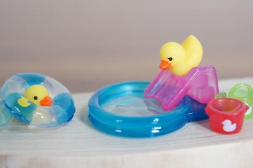 保育園 水遊び,保育園 水遊び ねらい,保育園 水遊び アイデア,保育園 水遊び アイテム